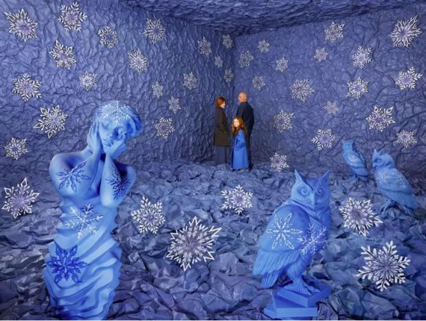 Sandy Skoglund: Winter
